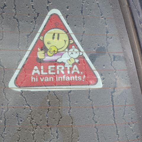 Alerta hi van infants!