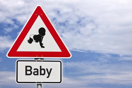 Schild Achtung Baby © Matthias Buehner - fotolia.com