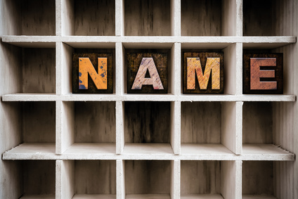 Name im Regal © enterlinedesign - fotolia.com